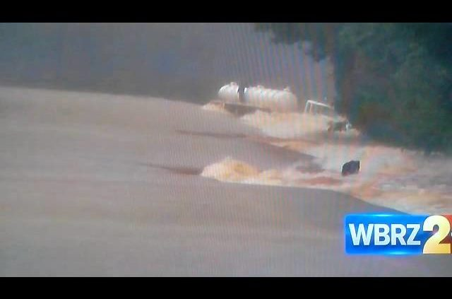 HOLY $#1+, TRUCK SWEPT AWAY! LOUISIANA FLOODING, 2 Dead, DARING POLICE RESCUE +me Being Dramatic